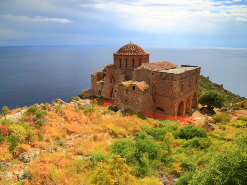 Η Αγία Σοφία της Ελλάδας! Πού βρίσκεται ο εντυπωσιακός ναός;