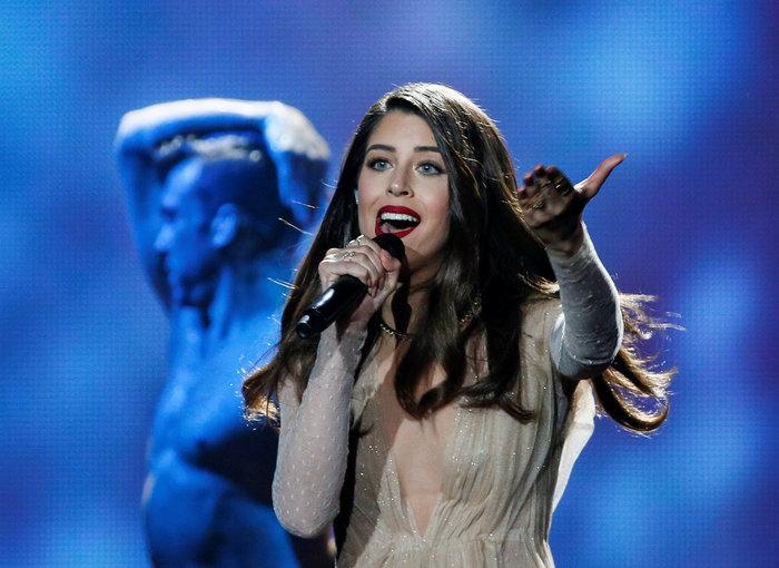 Vavel.gr | Eurovision: Έλαμψε η Demy ανάμεσα σε σταγόνες βροχής και αστέρια