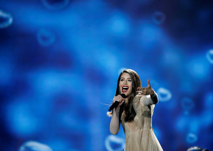 Eurovision: Έλαμψε η Demy ανάμεσα σε σταγόνες βροχής και αστέρια