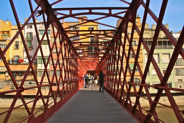 Χιρόνα: Ένα από τα καλά...κρυμμένα μυστικά της Ισπανίας