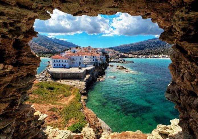 Tα καλύτερα ελληνικά νησιά σύμφωνα με την Telegraph