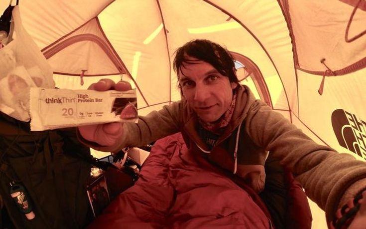 Ορειβάτης κρύφτηκε στο Έβερεστ επειδή δεν πλήρωσε την άδεια για να… ανέβει