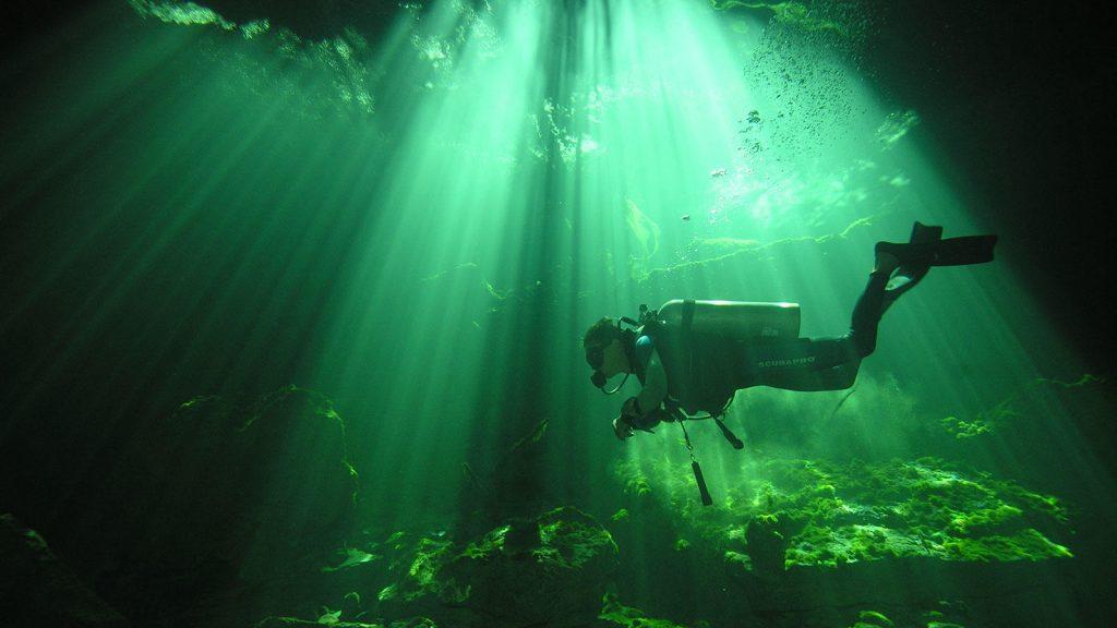 Vavel.gr | Βουτιά στο σκοτάδι: 6 Γνωστές θαλάσσιες σπηλιές που κόβουν την ανάσα