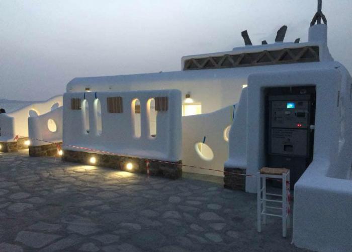 Οι πρώτες «5 αστέρων» δημόσιες τουαλέτες στην Ελλάδα βρίσκονται στην Μύκονο