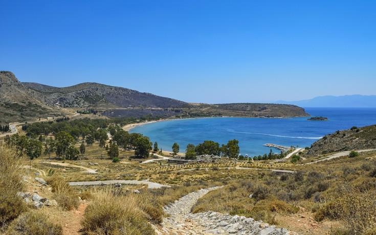 Vavel.gr | Βουτιές με...θέα στα δροσερά νερά της Καραθώνας