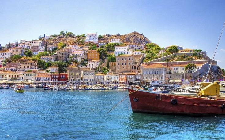 Ποια ελληνικά νησιά επιλέγει η Vogue για το φετινό καλοκαίρι;