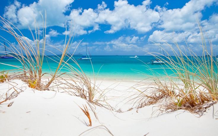 Ανακαλύψτε την παραλία με την πιο άσπρη άμμο στον κόσμο