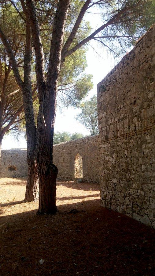 Το παραμυθένιο κάστρο του Άι Νικόλα είναι ο φρουρός των Παξών