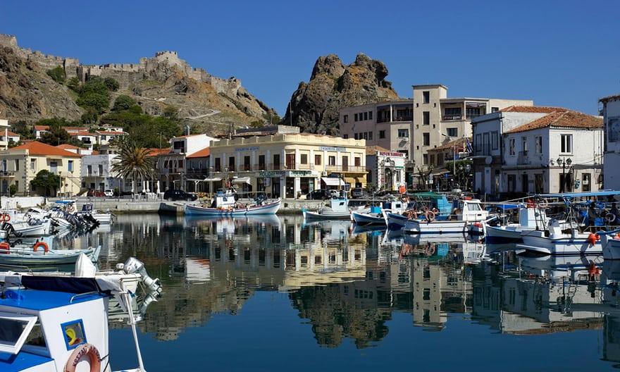 Τα 20 «άγνωστα» ελληνικά νησιά που μάγεψαν τον Guardian