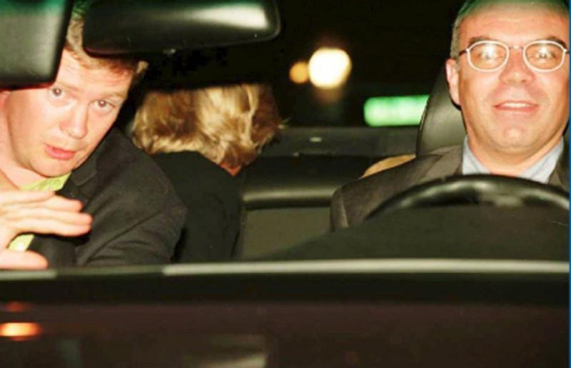 Τα τελευταία λόγια της Νταϊάνα ενώ ψυχορραγούσε στη Mercedes, μετά το τροχαίο στο Παρίσι