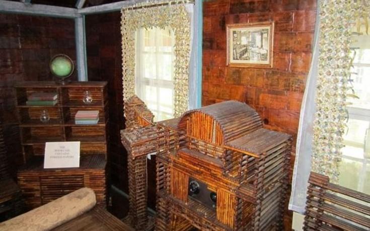Αυτό το σπίτι είναι φτιαγμένο από εφημερίδες!
