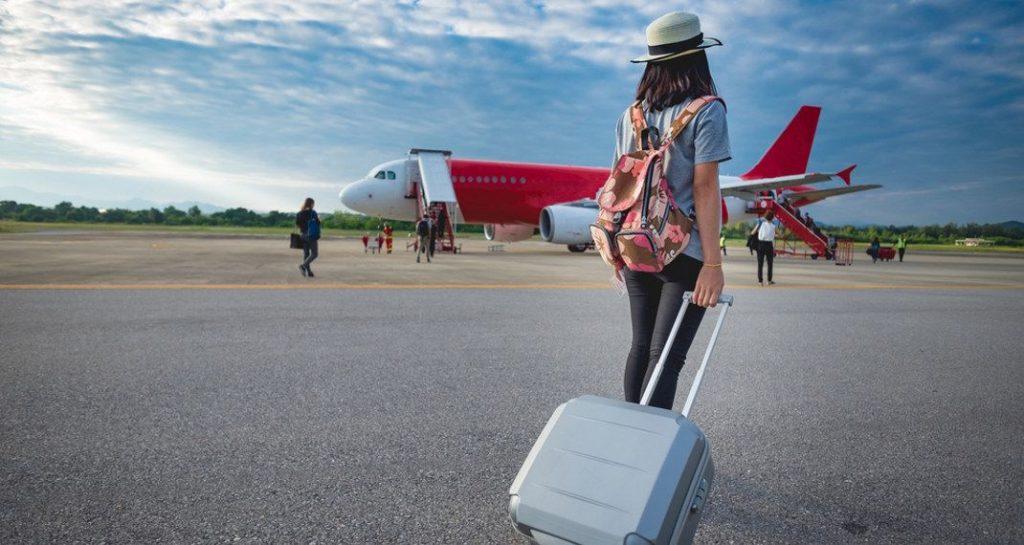 Ερευνα αποκαλύπτει ότι το να μπαίνετε πρώτοι στο αεροπλάνο κάνει κακό στην υγεία σας