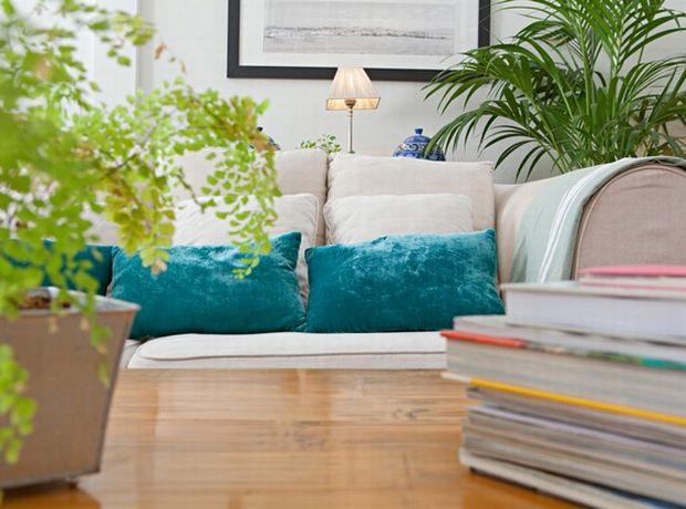 8 Εύκολες αλλαγές που μπορούν να μεταμορφώσουν το σαλόνι σας χωρίς να ξοδευτείτε!