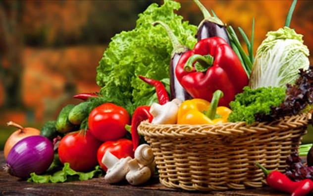 Τα 10 φρούτα και λαχανικά που πρέπει να τρως πάντα βιολογικά -Είναι γεμάτα φυτοφάρμακα