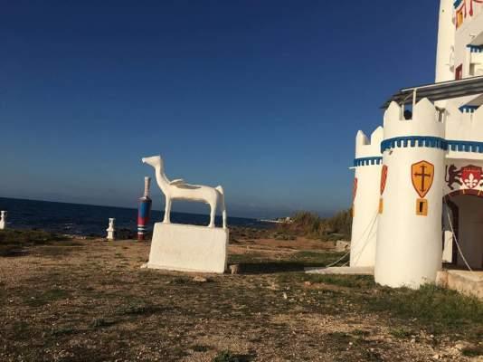 Το ξεχασμένο «Κάστρο των Παραμυθιών» στη Μεσσηνία που θυμίζει Ντίσνεϋλαντ
