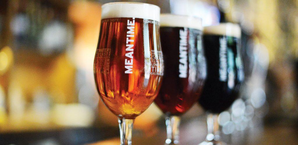 Δουλειά που πολλοί θα ζήλευαν: Πίνουν μπύρες και πληρώνονται!
