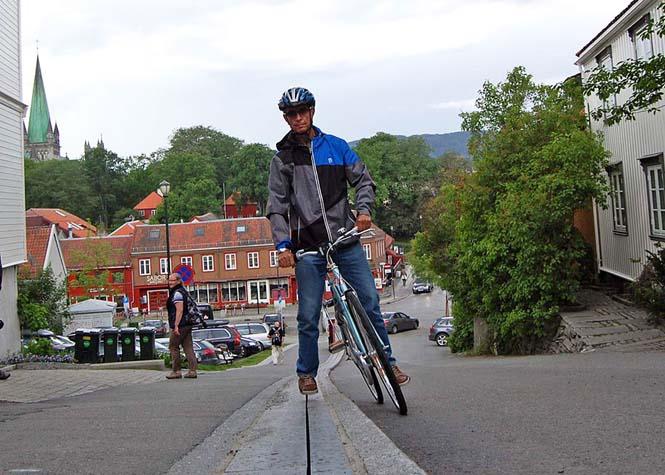 Η πρώτη κυλιόμενη σκάλα για ποδήλατα στον κόσμο